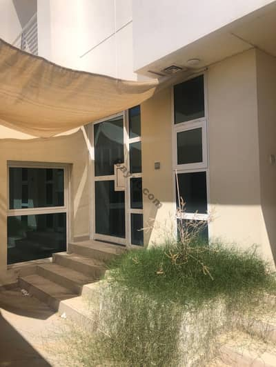 **NO COMMISSION DIRECT LANDLORD** 4 BEDROOMS VILLA NEXT TO CITY WALK
