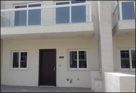 تاون هاوس 3 غرف نوم للايجار في المدينة العالمية، دبي - تاون هاوس في قرية ورسان المدينة العالمية 3 غرف 80000 درهم - 4265366