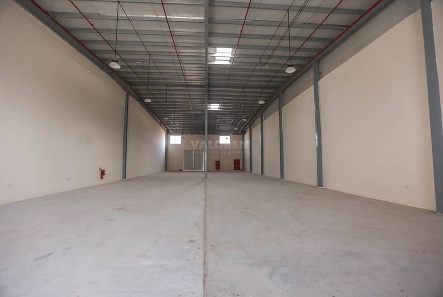 14 Brand New 300Kw Connected Power Warehouse for rent in UAQ