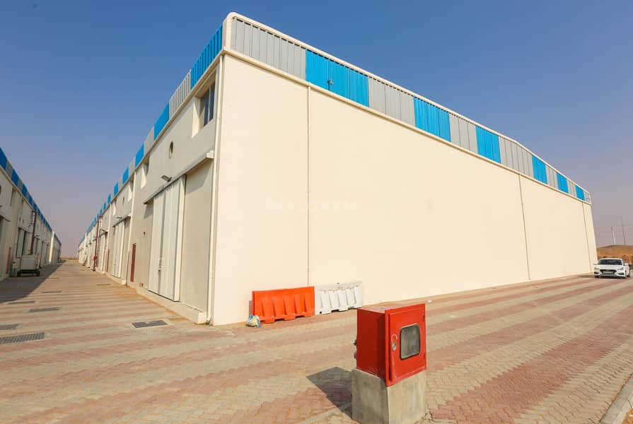 12 120Kw Electric Power Brand New Warehouse for rent in UAQ