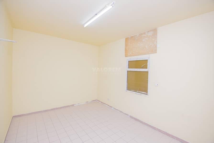 Opposite Shopping Center/ 10 Rooms / Refurbished