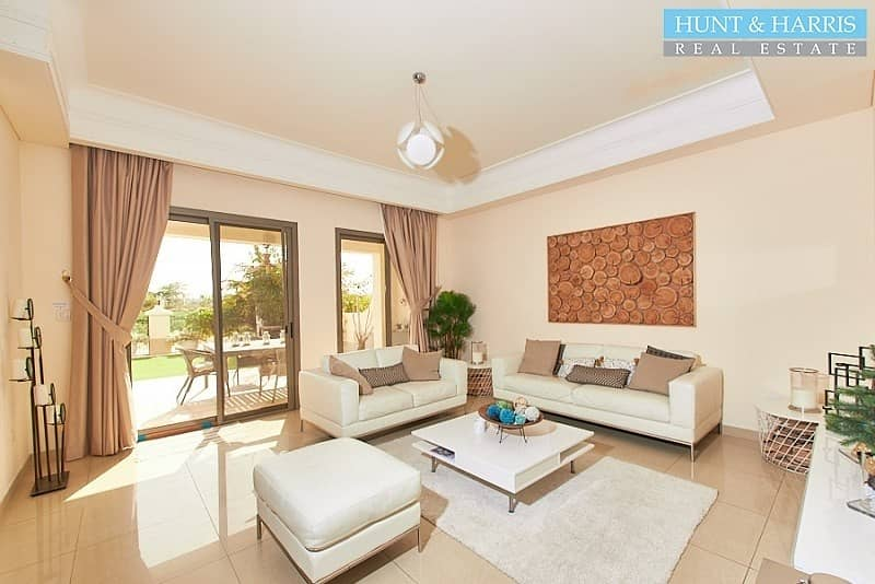 Beautifully Upgraded - Walk to Pool - Golf Course View