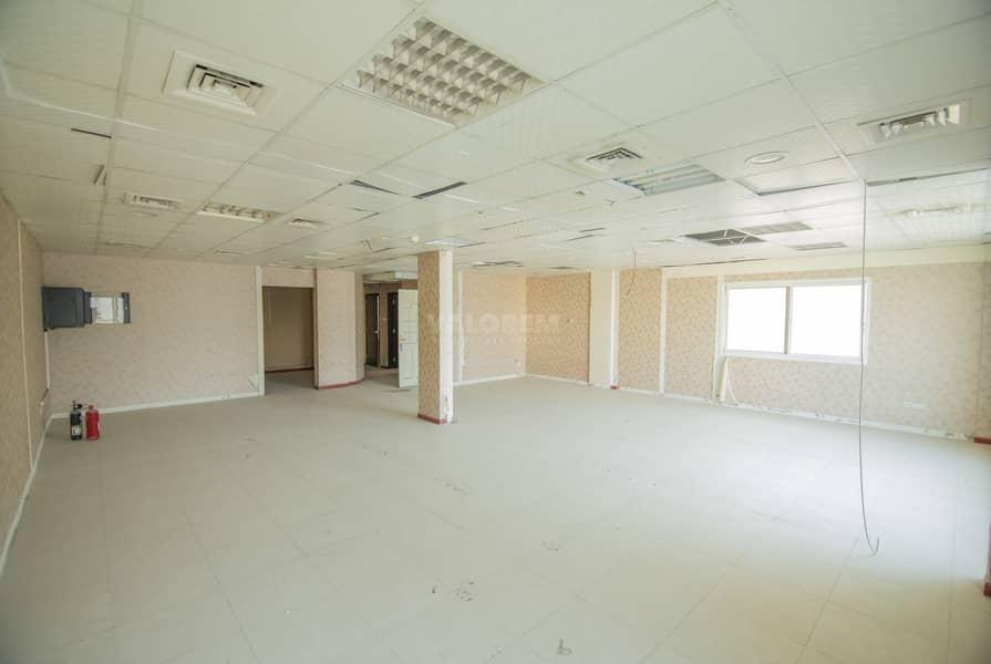 Full Floor available / 7