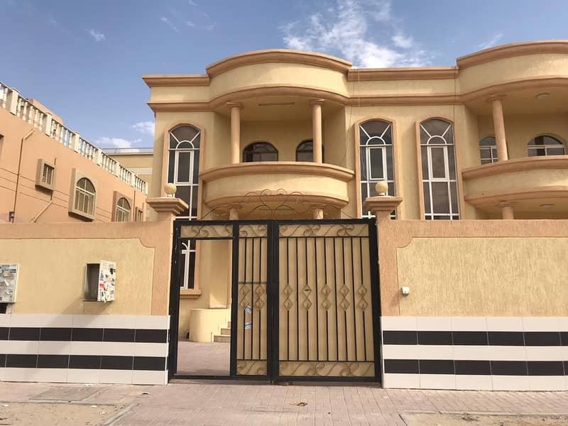 للإيجار فيلا دورين في المويهات 3 عبارة عن 5 غرف ومجلس و 4 حمامات وصالة كبيرة قريبة من اكاديمية عجمان