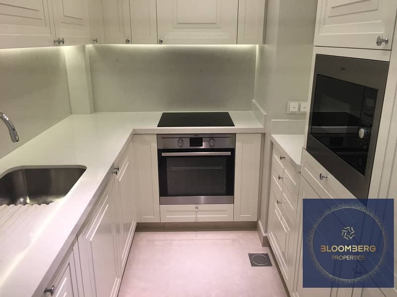 2 Fully furnished | High floor | Community view