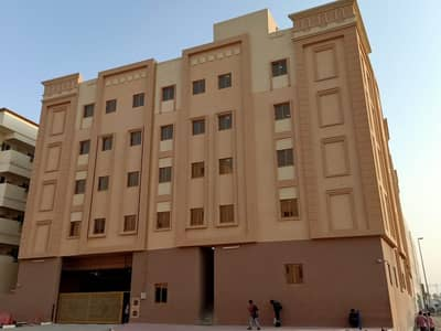 Labour Camp for Rent in Jebel Ali, Dubai - Unbelievable Price! Room in Jebel Ali at 2000!
