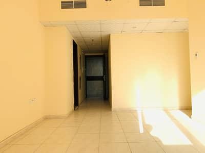 Nice 3bhk close to saudi jarman hospital backside of Ledies club faimly tower rent only 35000 al qullaya area