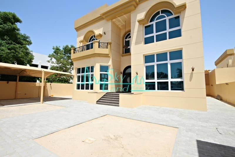 2 Modern well lit 5BED  with pool in Umm Suqeim 2