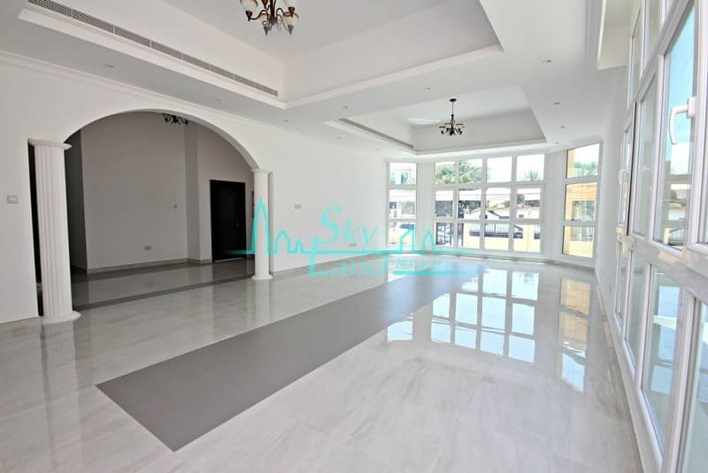 Modern well lit 5BED  with pool in Umm Suqeim 2