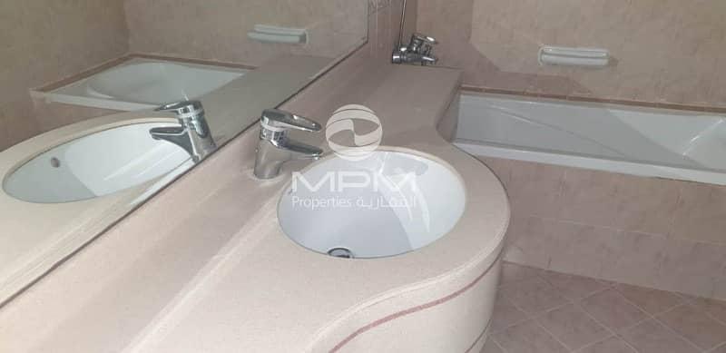 20 Spacious 3 Bedroom Villa in Mushrif area