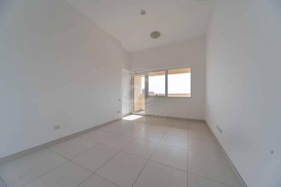 2 Beautiful 1 bed with Study Room in Dubai Land