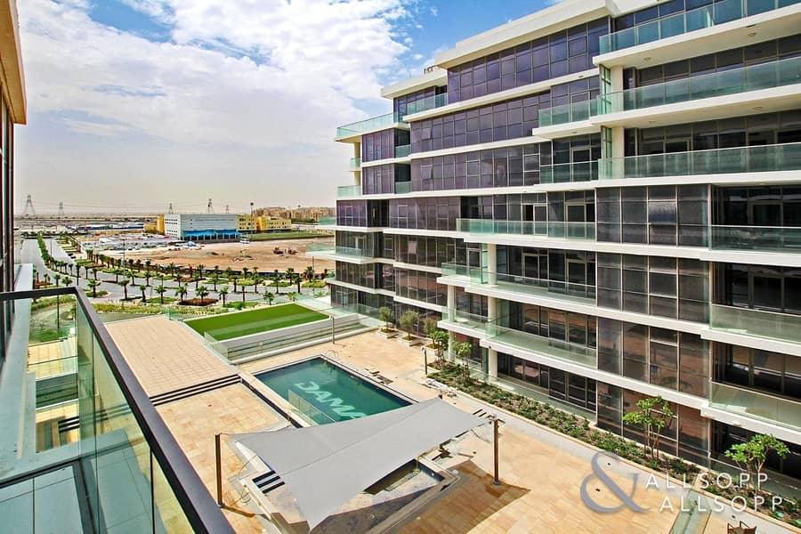 1000 SqFt | 1 Bedroom | Modern | Pool View