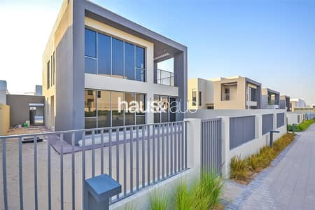Close to Pool and Park| Single Row | Must See | E3