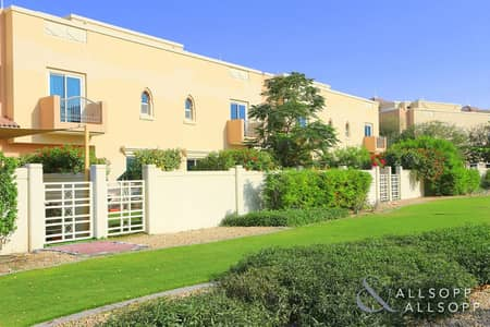 4 Bedroom Villa for Rent in Dubai Sports City, Dubai - 4 Bedrooms | Backing The Park | Immaculate