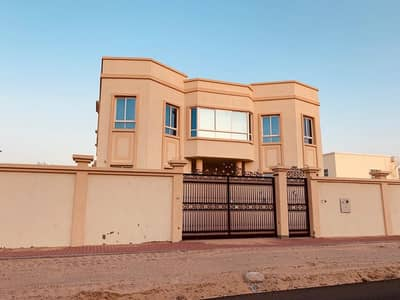 5 Bedroom Villa for Sale in Al Hamidiyah, Ajman - Villa for sale the first inhabitant of Al Hamidiya Ajman a great location close to the services and Sheikh Mohammed bin Zayed Street