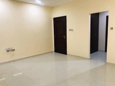 فلیٹ 1 غرفة نوم للايجار في المشرف، أبوظبي - شقة في شارع الظفرة المشرف 1 غرف 50000 درهم - 4551891