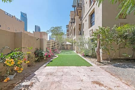 فلیٹ 3 غرف نوم للايجار في المدينة القديمة، دبي - Amazing Apartment with Garden | Available for Rent