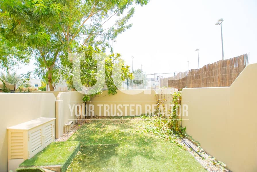15 Well Maintained 3BR Villa with Huge Private Garden