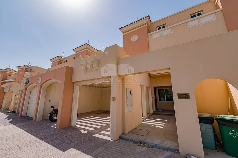 Spacious 4 BR + Maid's Room | Kitchen Equipped