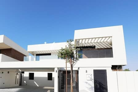 5 Bedroom Villa for Rent in Yas Island, Abu Dhabi - Capacious Double Row Corner Villa In West Yas