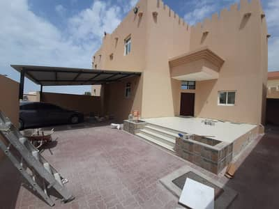 Villa In the city of Shakhbout 4Bedrooms are Huge and Masters with High end Bathroom and Toilet, Covered Parking Spaces
