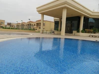 فیلا 4 غرف نوم للايجار في عشارج، العین - فیلا في مجمع عشارج السكني عشارج 4 غرف 80000 درهم - 4550955