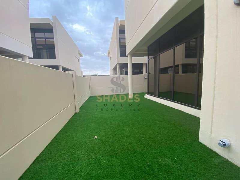 2 Landscaped | 3beds+maid | Corner unit