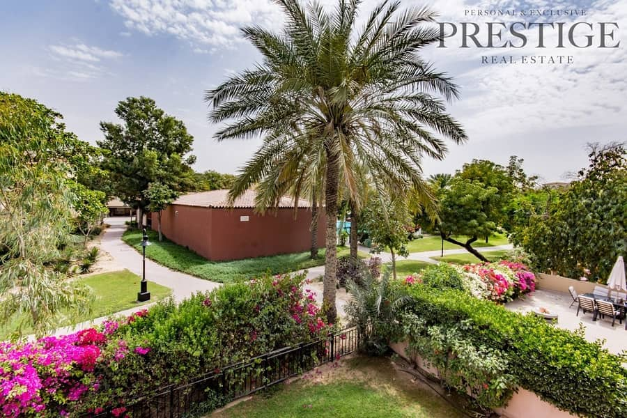 28 New Listing| 4 Beds | Facing the Pool