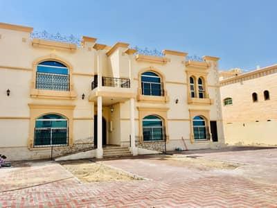 استوديو  للايجار في مدينة خليفة أ، أبوظبي - استديو اول ساكن كبير ونظيف تشطيب سوبر ديلوكس