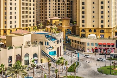 2 Bedroom Apartment for Sale in Jumeirah Beach Residence (JBR), Dubai - Spacious apartment with Marina and pool view in JBR | Vacant | Distress