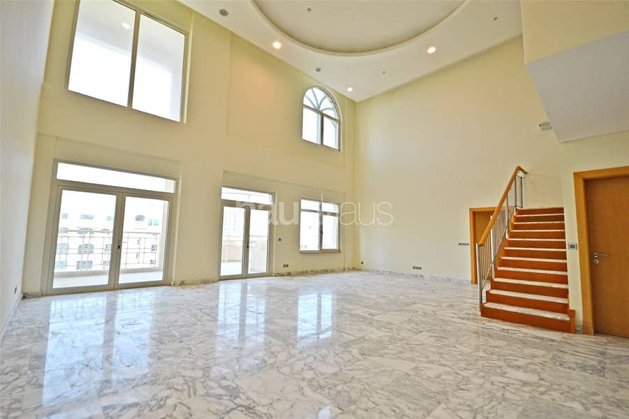 H Type || Large Duplex Penthouse || Close to Mall
