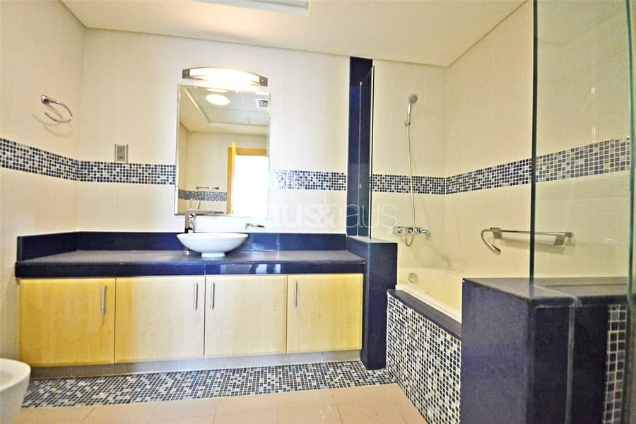 10 H Type || Large Duplex Penthouse || Close to Mall