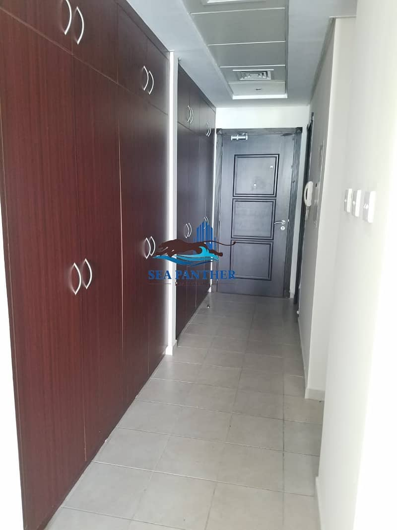 XXL STUDIO APARTMENT WITH 8 WARDROBES DISCOVERY GARDENS ON PRIME LOCATION READY TO MOVE