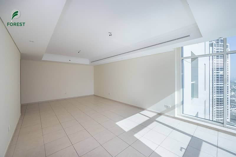 Luxury 2BHK plus Maid with Lake View Unfurnished