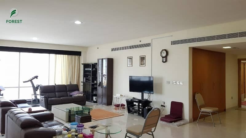 2 Spacious 3 BHK Apartment with Marina View