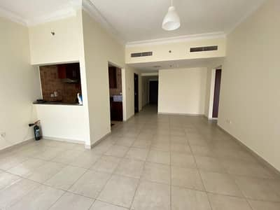 فلیٹ 1 غرفة نوم للايجار في أبراج بحيرات الجميرا، دبي - شقة في برج ليك شور أبراج بحيرات الجميرا 1 غرف 43000 درهم - 4555303