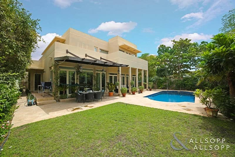 Exclusive   5 Bed   Extended   Private Pool