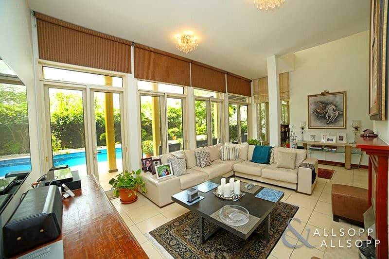 2 Exclusive   5 Bed   Extended   Private Pool