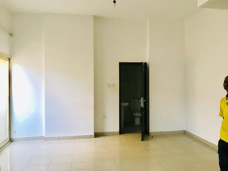 CLOSE TO METRO 1 MONTH FREE STUDIO WITH ALL AMENITIES AND BALCONY FOR FAMILY
