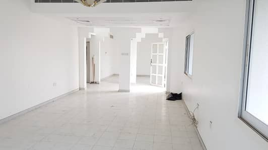 4 Bedroom Villa for Rent in Al Fisht, Sharjah - *** COMMERCIAL/RESIDENTIAL VILLA - Spacious 4BHK Duplex villa in Al Fisht area available in lowest rents ***