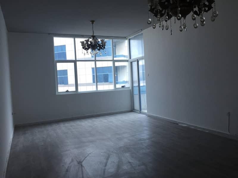 شقة غرفتين وصالة و 3 حمامات بابراج الفالكون  اطلالة بحريه