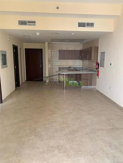 One Bedroom Apartment in JLT w/ Sea View