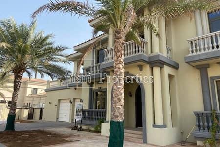 6 Bedroom Villa for Rent in Palm Jumeirah, Dubai - Villa w/ Stunning View | Private Pool Beach Access
