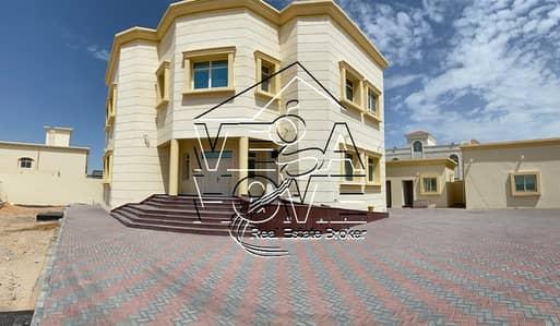 فیلا 8 غرف نوم للايجار في الشامخة، أبوظبي - فیلا في الشامخة 8 غرف 230000 درهم - 4557883