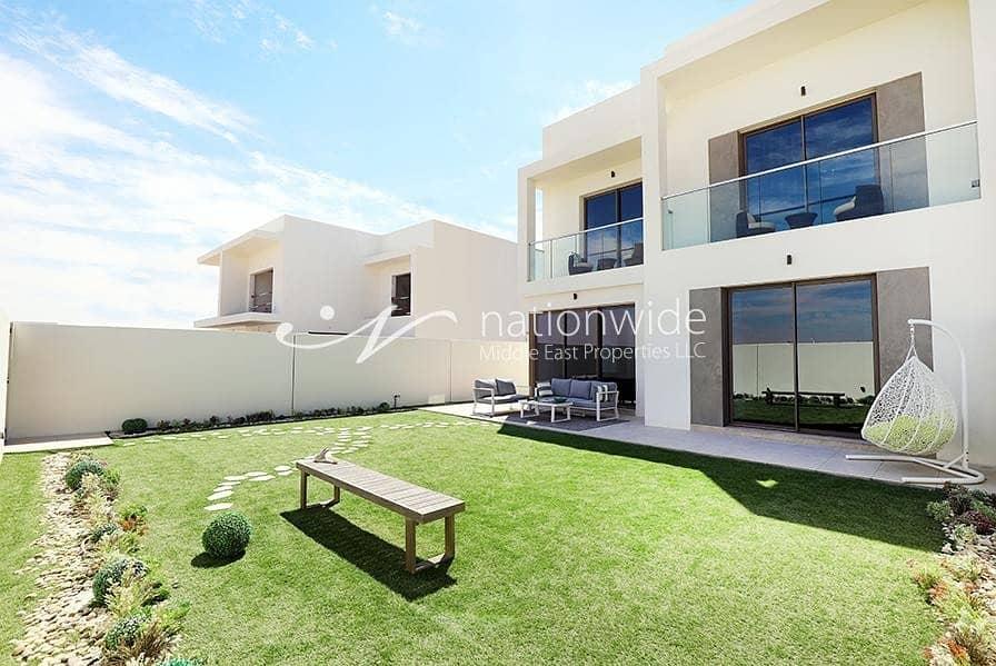 21 Exquisite 3 BR Corner Villa In Yas Acres