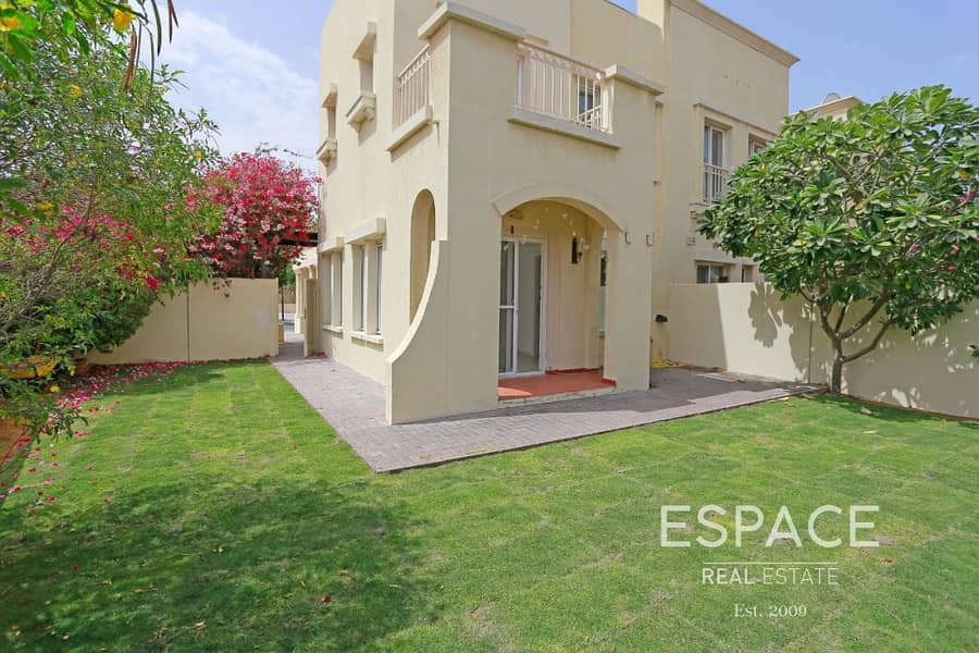 2 Lake View Villa in Immaculate Condition