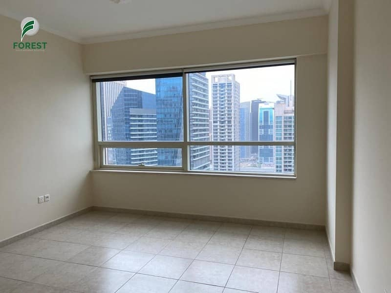 2 Spacious 2 BR Apartment with Balcony Marina View