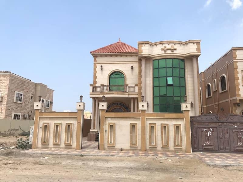 لقطة بدون عمولة وبسعرلا يصدق و قابل للتفاوض ايضا  فيلا  مقابل المسجد مباشرة  للبيع مع ملحق خارجى قريبة من شارع الشيخ عمار وجميع الخدمات مع التمويل البنكى