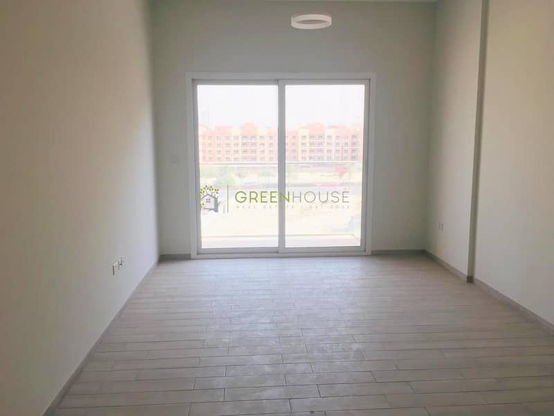 Beautiful Studio Apt. with Built-in Wardrobes | Oxford Residence