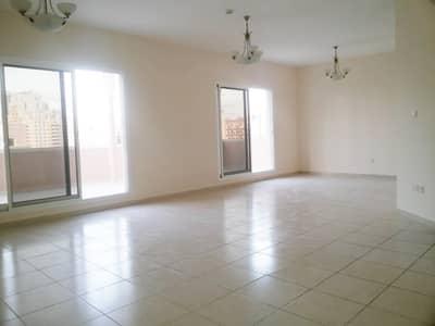 شقة 2 غرفة نوم للبيع في قرية جميرا الدائرية، دبي - Massive Living Area